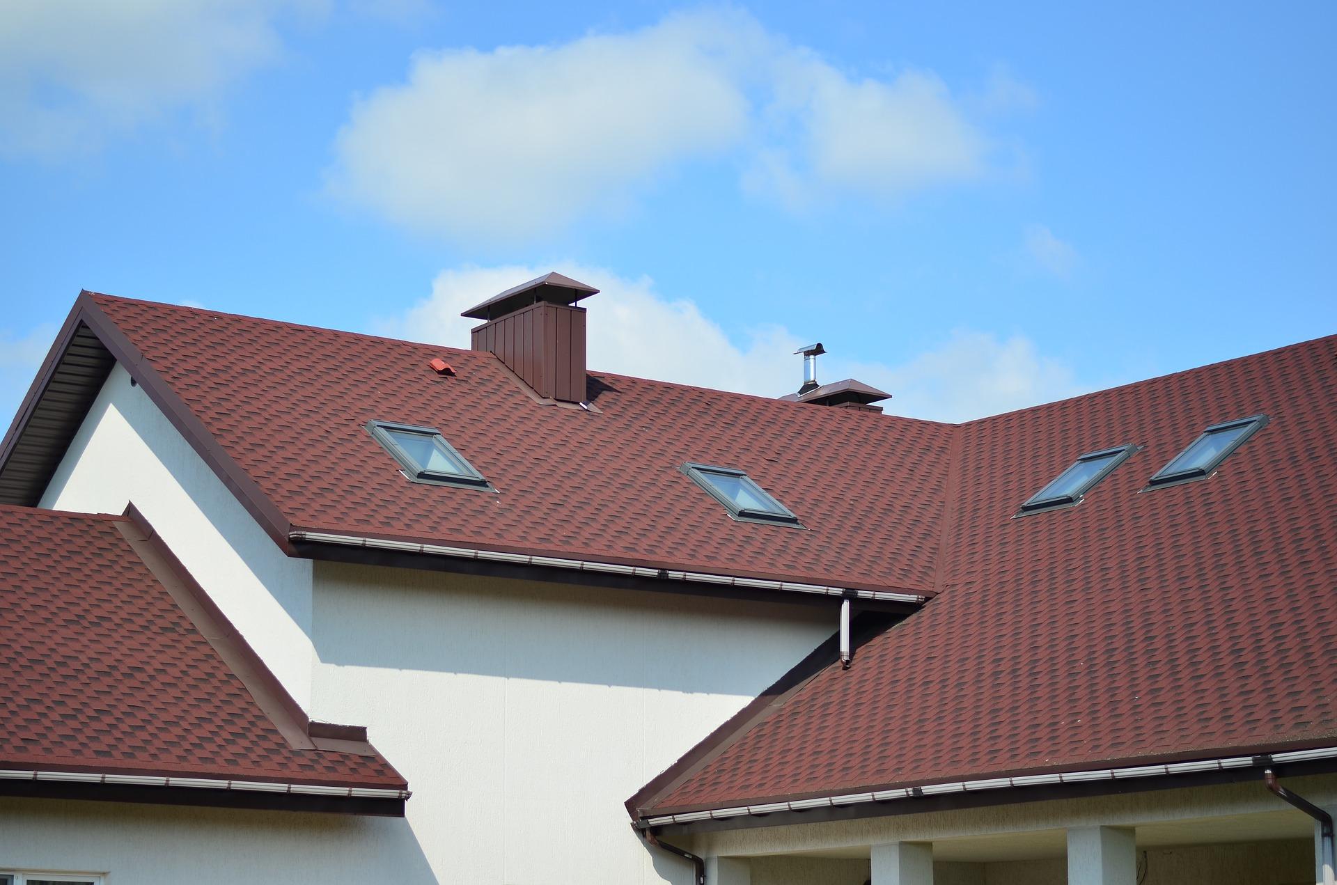 Ausschnitt eines Roten Satteldaches